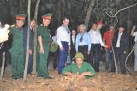 Thủ Tướng Nga DMITRY MEDVEDEV Tham Quan Khu di tích lịch sử địa đạo Củ Chi