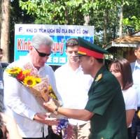 Chủ tịch Hội đồng Nhà nước và Hội đồng Bộ trưởng Cuba Miguel Mario Diáz-Canel Bermúdez đã khám phá địa đạo Củ Chi