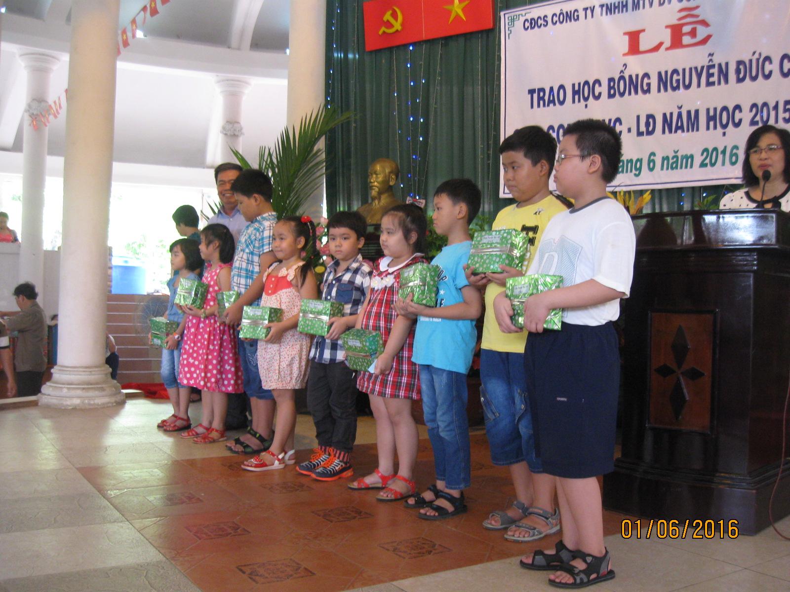 Lễ trao học bổng Nguyễn Đức Cảnh năm 2016