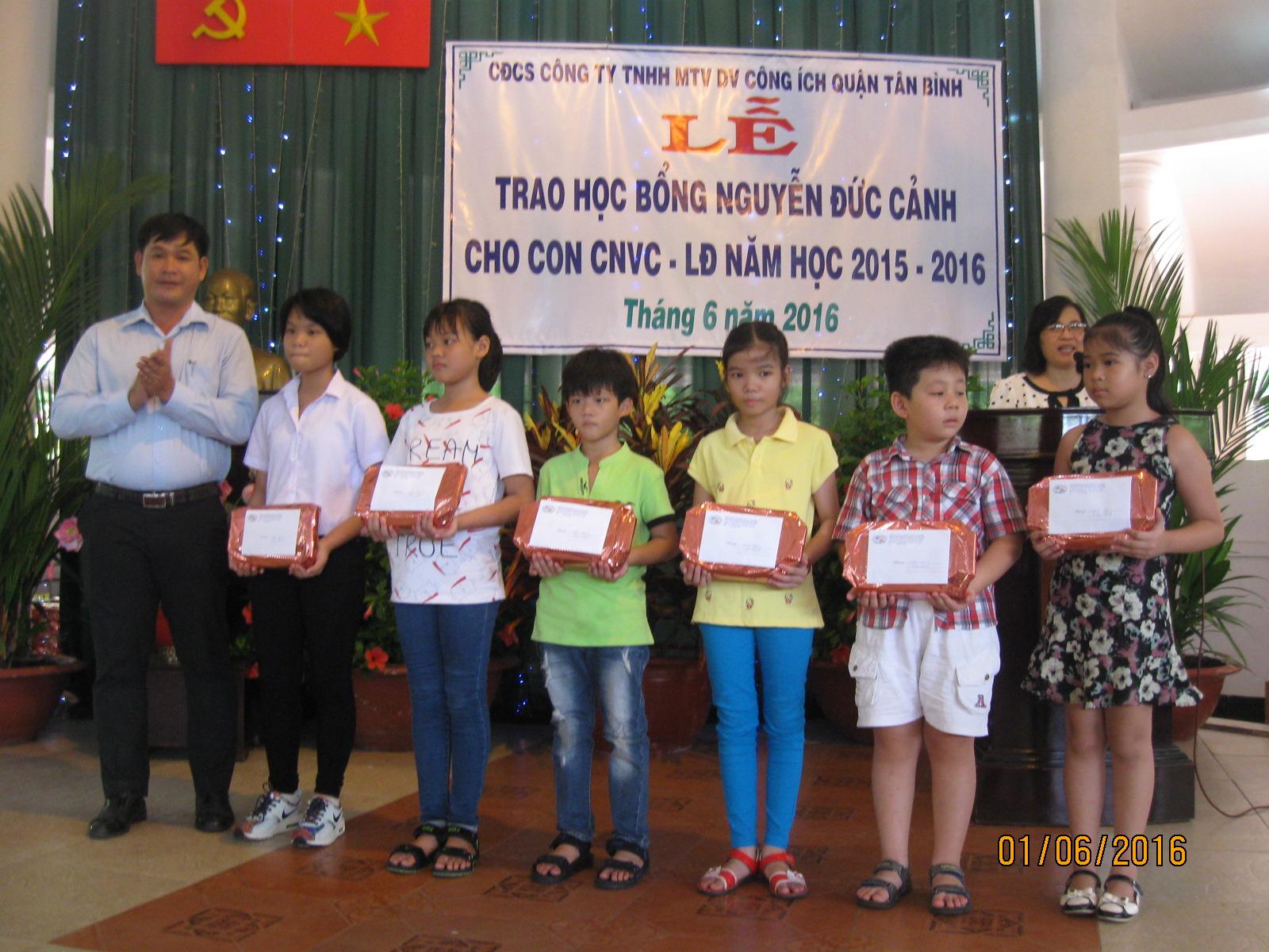 Họp mặt kỷ niệm ngày Quốc tế thiếu nhi 01/6 và phát học bổng Nguyễn Đức Cảnh 2016